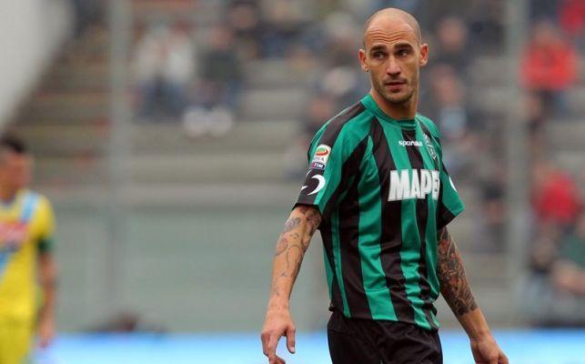 Paolo Cannavaro rimprovera Higuain: