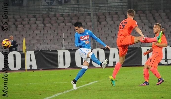 Serie A: Vincono Napoli e Roma, crisi Inter