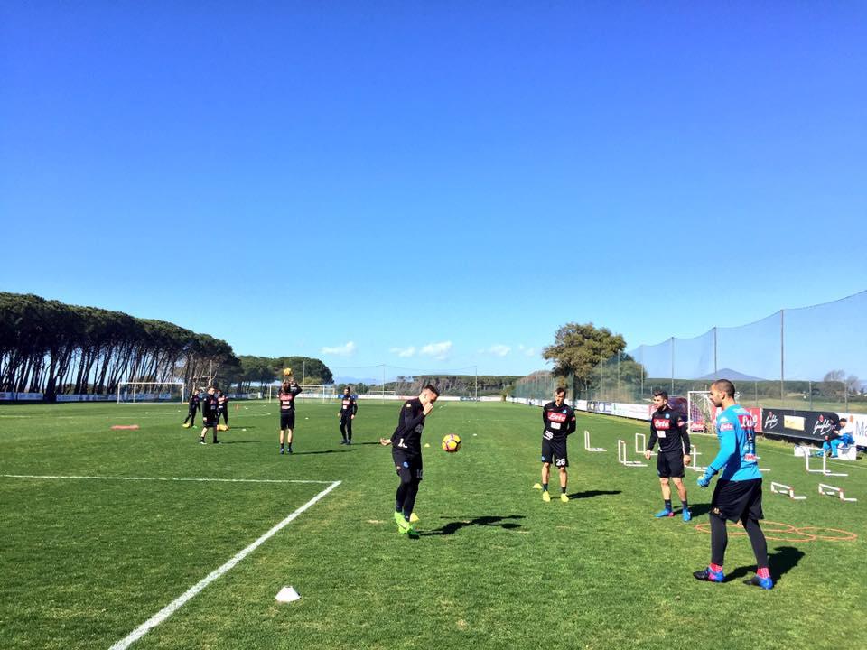 Napoli-Cagliari, si rivede Tonelli. E Hamsik può riposare per un problema muscolare