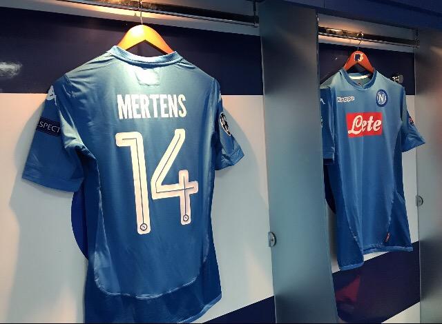 """Champions League: Mertens e Jorginho fanno volare il Napoli, ok il Siviglia"""""""