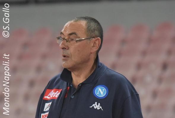 Napoli, Sarri si nasconde: 'Juve? Può chiudere oltre i 90 punti, noi...'