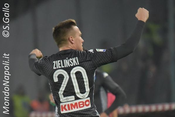 Napoli, Zielinski: 'Juve? Sfida non decisiva. Su Higuain...'