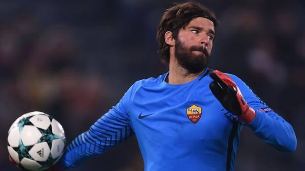 Napoli, per il dopo Reina c'è Leno: accordo con il Leverkusen ma…