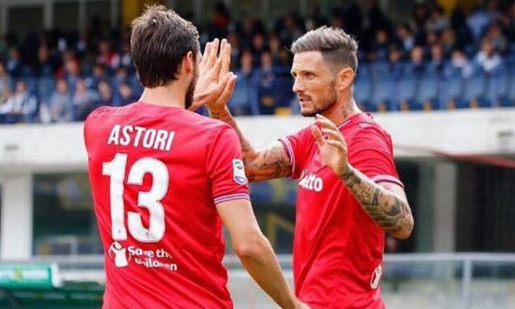 Fiorentina, è morto Davide Astori. Lo shock dei tifosi viola: