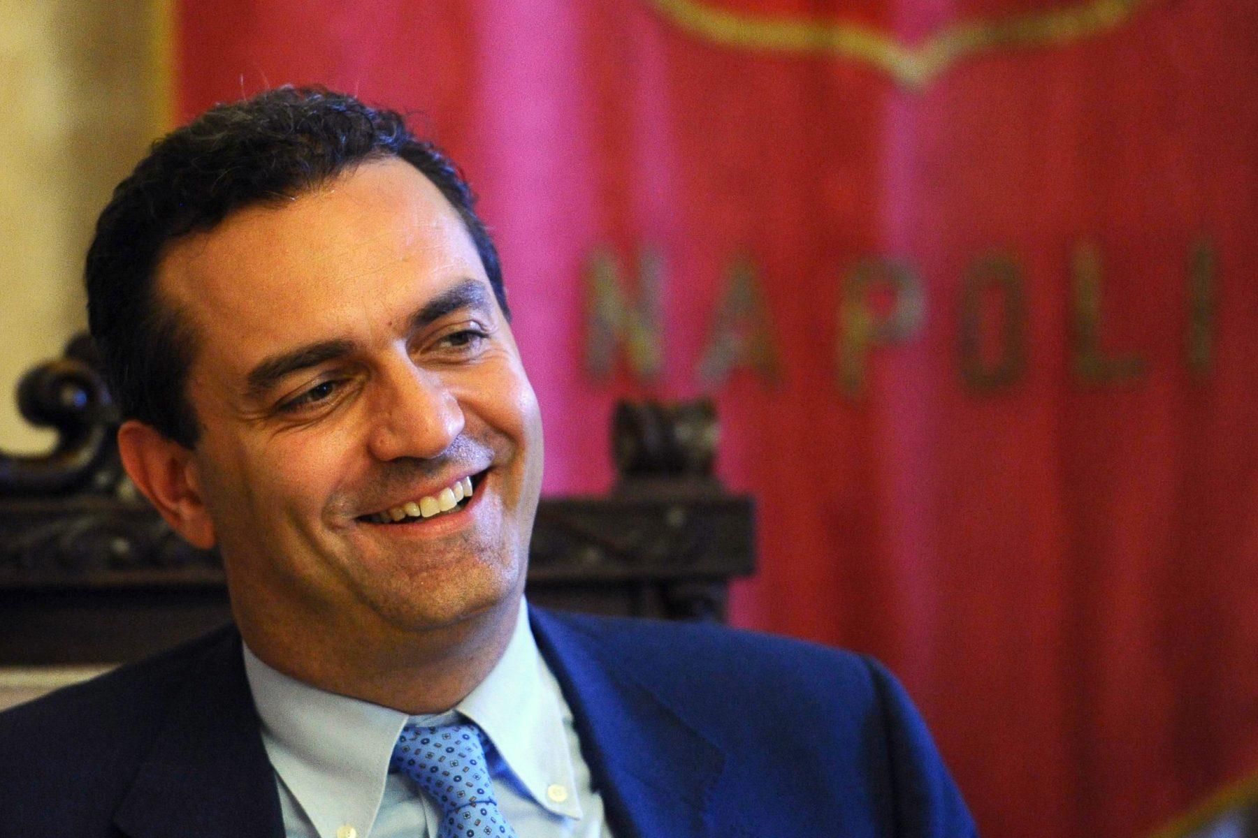 NAPOLI. Calcio: de Magistris, Napoli esempio di umiltà e di potenza